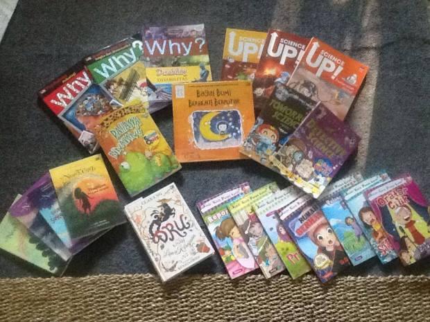 Sekolah Indonesian Books