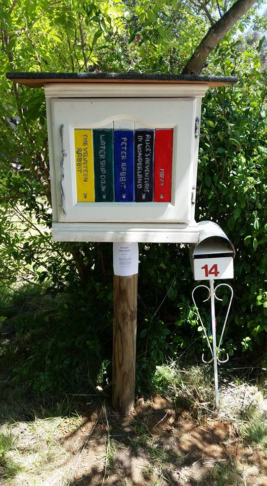 street-library-mounted